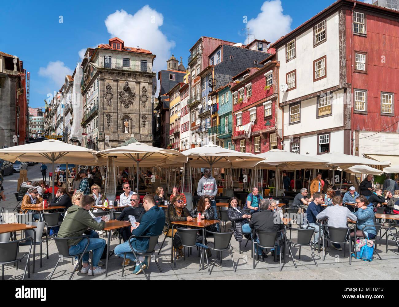 Bars and cafes on Ribeira Square ( Praça da Ribeira ), Porto, Portugal - Stock Image