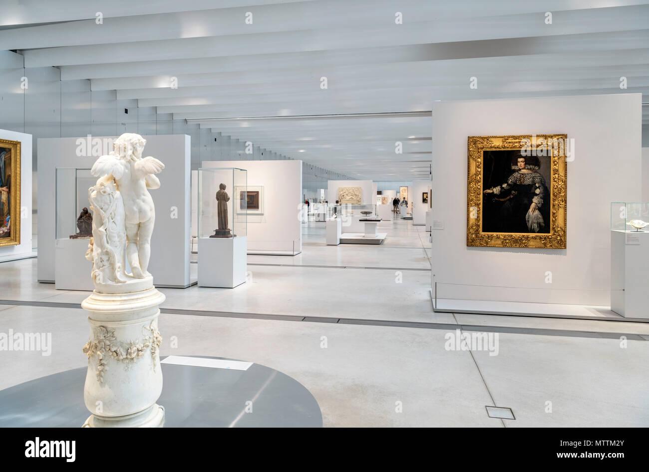 La Galerie du Temps in the Louvre-Lens museum, Lens, Pas de Calais, Northern France - Stock Image
