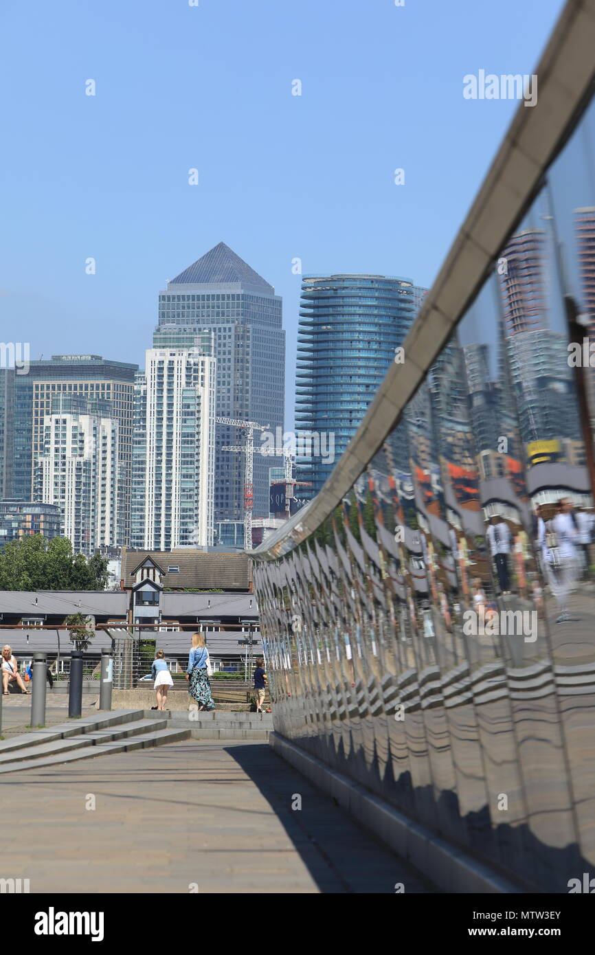 Canary Wharf on the Isle of Dogs from Greenwich, alongside the Cutty Sark exhibition centre, in SE London, UK - Stock Image