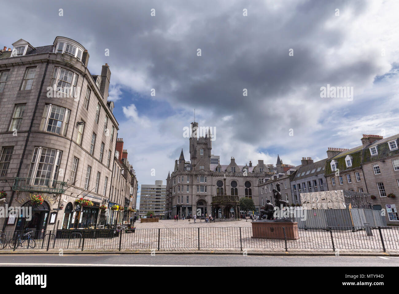 ABERDEEN, UNITED KINGDOM - AUGUST 3: View of the Mercat Cross, Gordon Highlanders statue and Salvation Army Church in the city of Aberdeen, United Kin Stock Photo