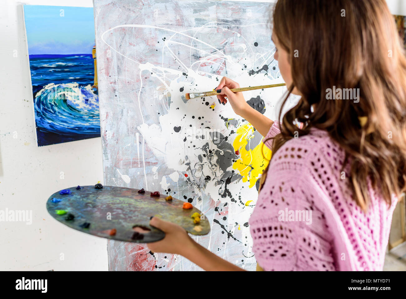 Artist Painting High Resolution Stock Photography And Images Alamy