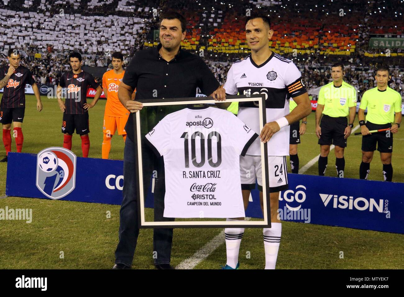 Paraguayan Player Roque Santa Cruz Stock Photos & Paraguayan Player ...