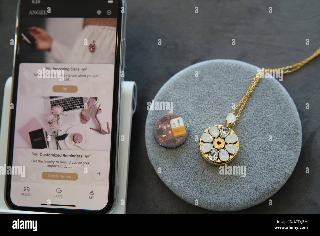 "New York, USA. 30th May, 2018. Photo taken on May 30, 2018 shows the ""Totwoo Love"" Kit in New York, the United States. China's innovative smart jewelry brand Totwoo launched its first plug-and-play jewelry tech maker kit in the United States on Wednesday. ""Totwoo Love"" Kit was jointly launched by the Beijing-based firm and the U.S. fashion tech company 360Fashion Network at the SAP Next-Gen Space at Hudson Yards in New York City on Wednesday evening. Credit: Wang Ying/Xinhua/Alamy Live News Stock Photo"