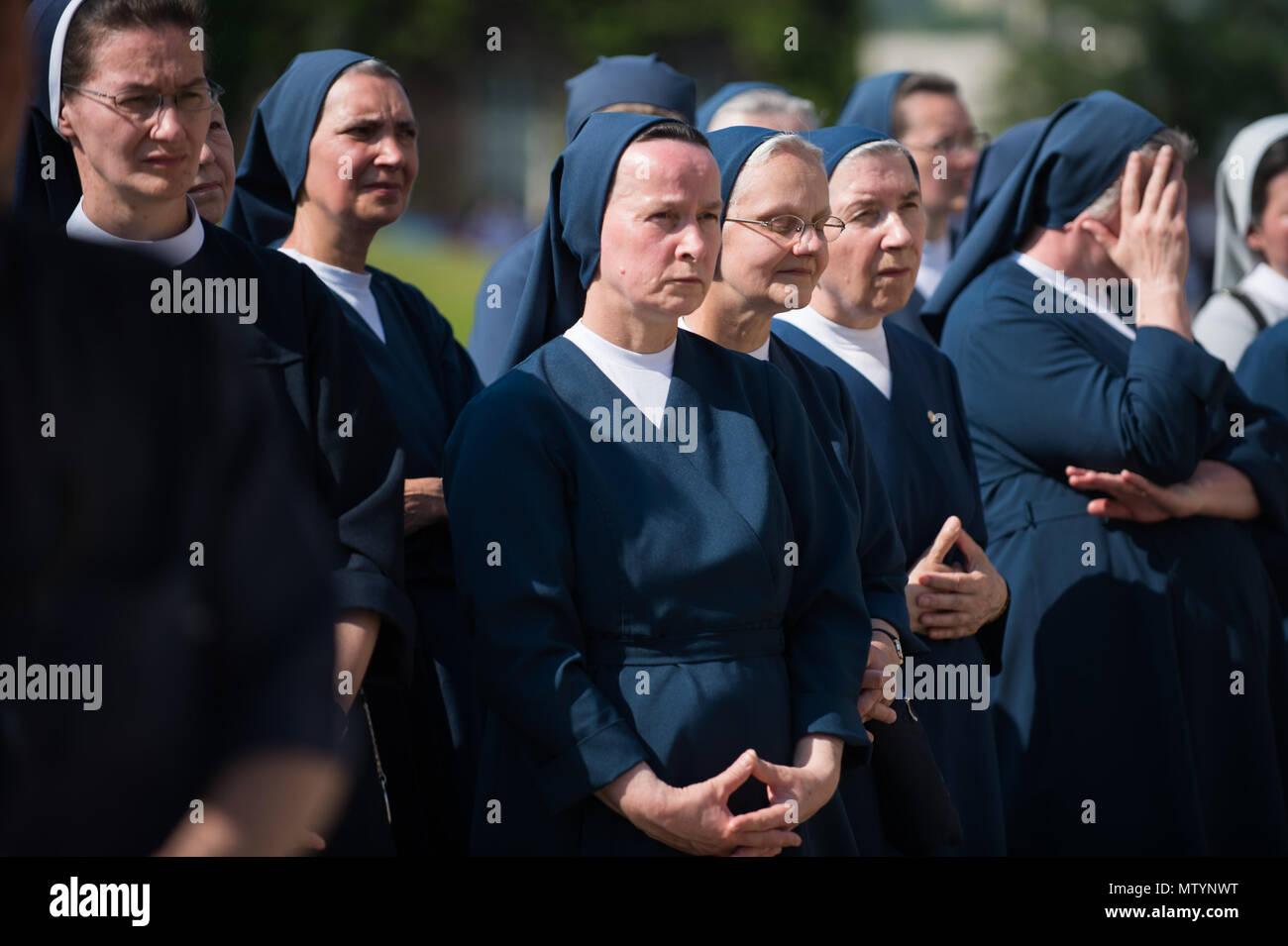 Nuns And Jesus Stock Photos Nuns And Jesus Stock Images Alamy