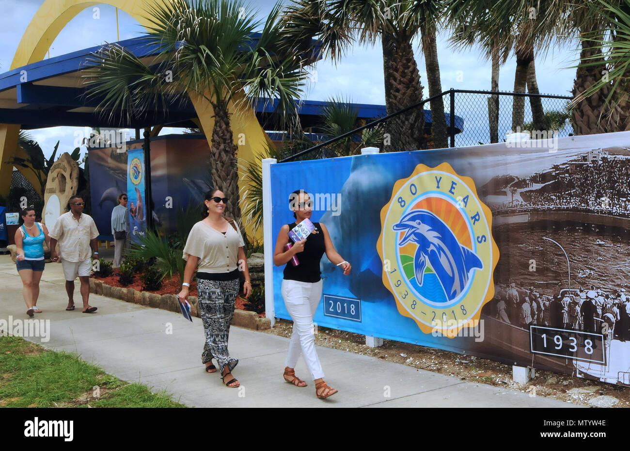 Marineland, USA. May 31, 2018 - Marineland, Florida, United States - People visit Marineland Dolphin Adventure on the attraction's 80th anniversary in Marineland, Florida on May 31, 2018. The park, the world's first oceanarium, opened in 1938 as Marine Studios, allowing filmmakers to shoot underwater footage and visitors to see marine life live and up close. Credit: Paul Hennessy/Alamy Live News Stock Photo