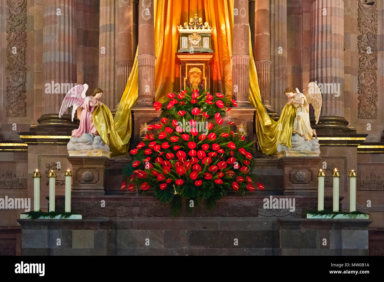 A EASTER ALTAR is set up for Good Friday at the ORATORIO CHURCH  - SAN MIGUEL DE ALLENDE, MEXICO - Stock Image
