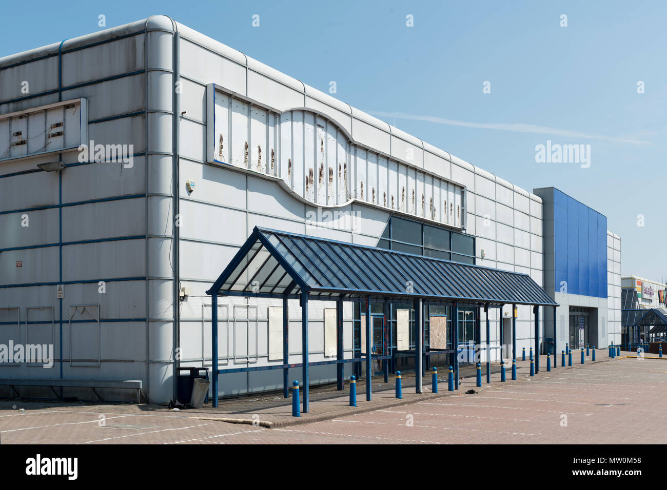 A closed unit at Central Retail Park, Great Ancoats Street,Manchester, UK - Stock Image