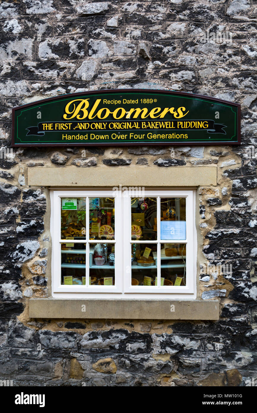 Bloomers shop the first and only original Bakewell Pudding. - Stock Image