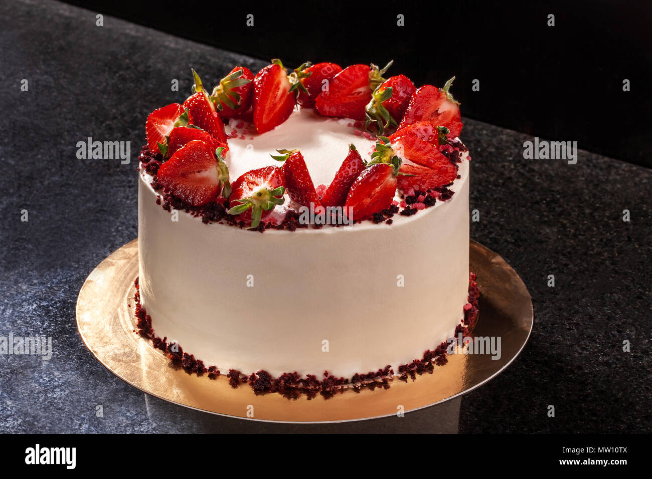 Cheesecake With Strawberries Cake Decorated With Strawberries