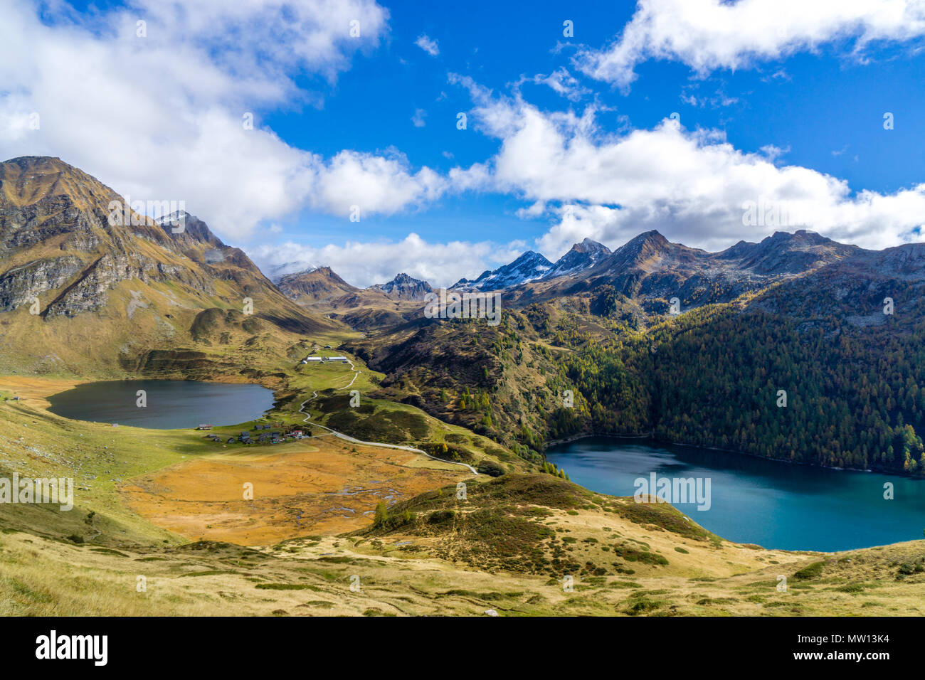 beautiful mountain lake during autumn switzerland - Stock Image