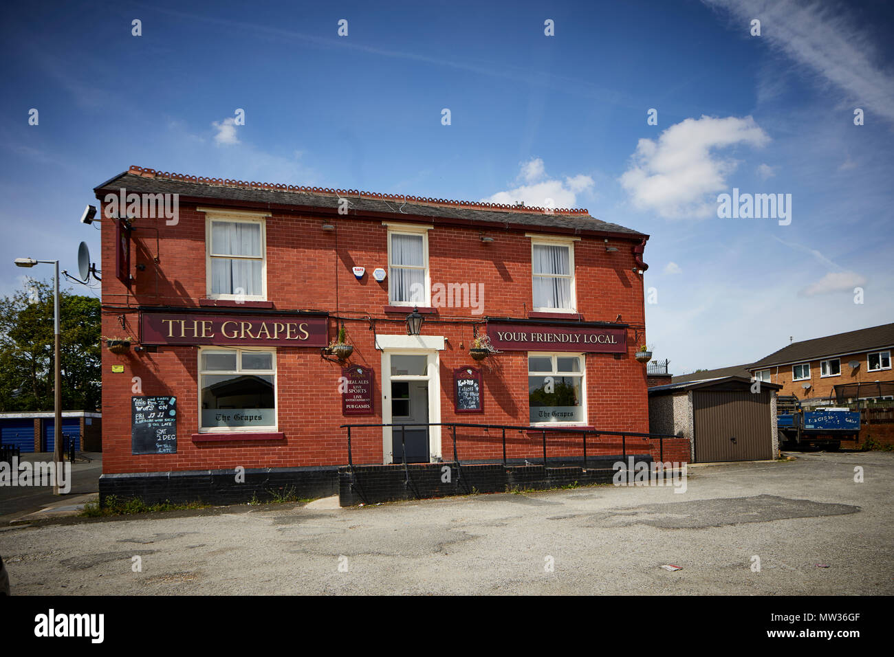 Stockport The Grapes pub in Heaton Norris famed for Early Doors tv show based on the pub & Stockport The Grapes pub in Heaton Norris famed for Early Doors tv ...