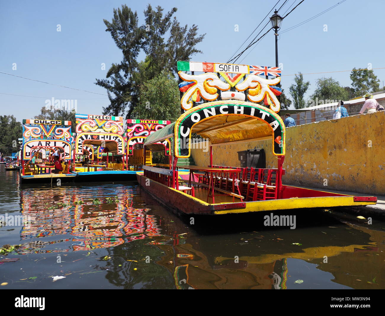 Colored mexican boats with women names at Xochimilco\'s Floating ...