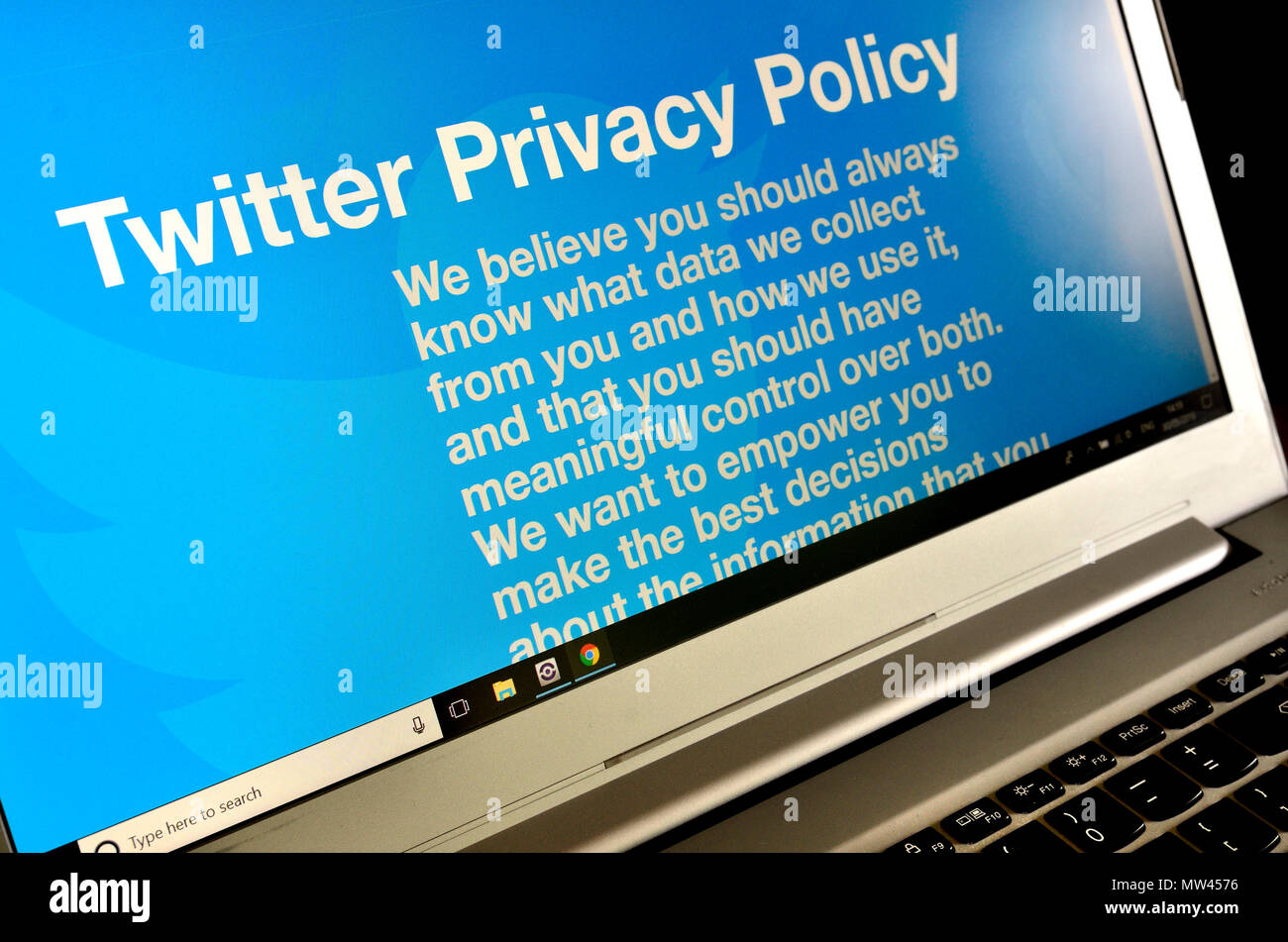 Twitter Privacy Policy page on a laptop (2018) - Stock Image