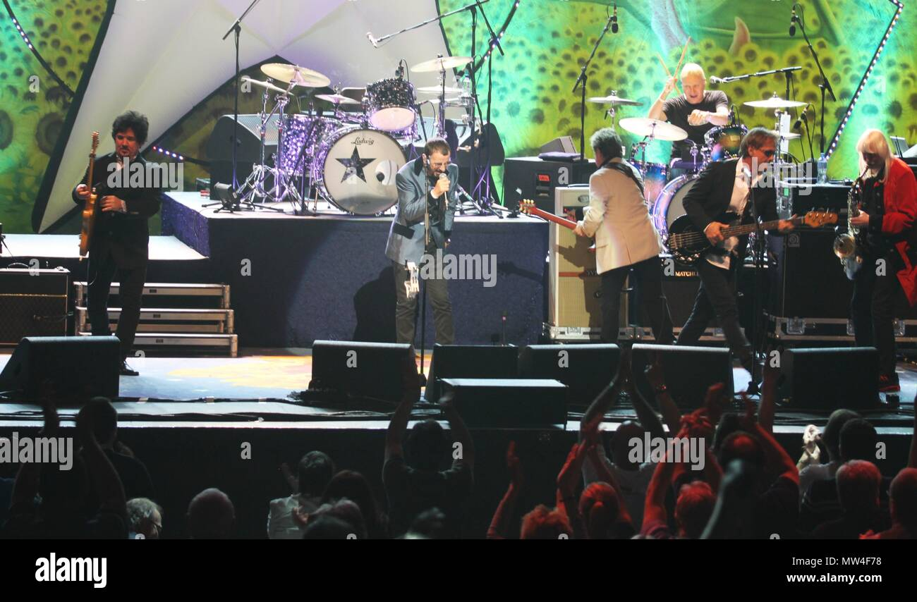 Liverpool,uk Former Beatles drummer Ringo Starr and his band perform at Liverpool Empire Theatre to sell out crowd, Credit Ian Fairbrother/Alamy Stock photos - Stock Image
