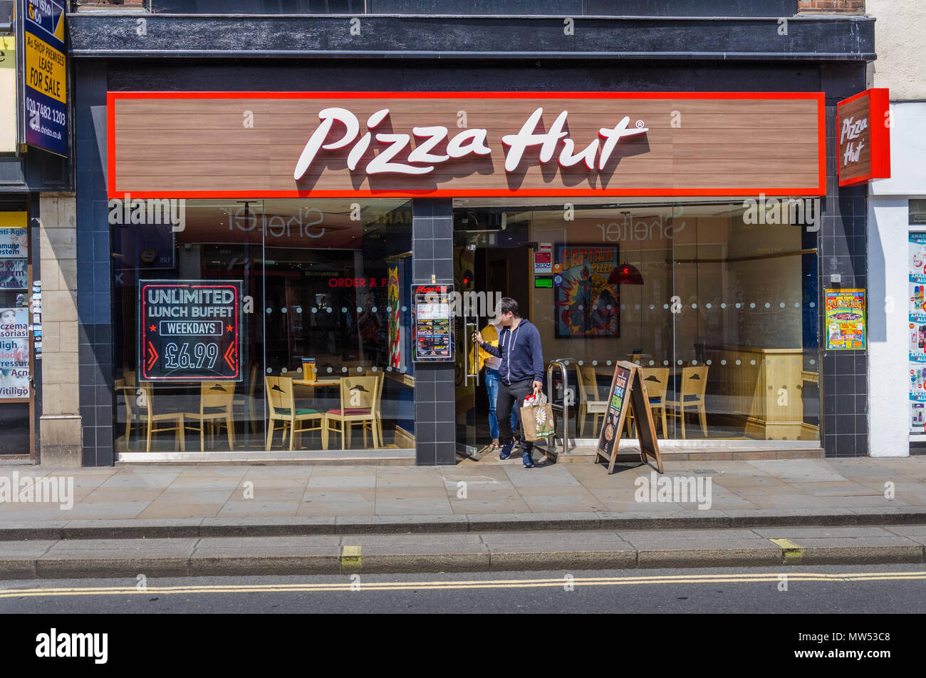 Pizza Hut Restaurant Uk Stock Photos Pizza Hut Restaurant
