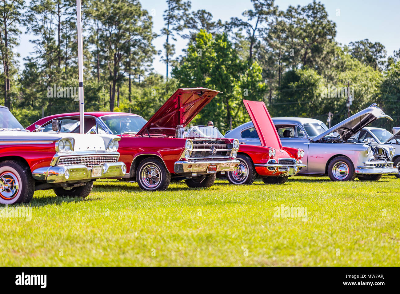 1959 Ford Galaxie Skyliner, 1966 Ford Fairlane Hardtop, 1962