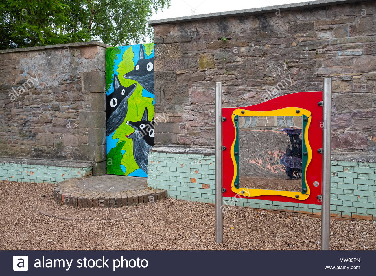 Street art project Openclose Dundee using art on doors in out of the way alleyways and lanes by local artists .Crescent St Park by Chelsea Rodger & Street art project Openclose Dundee using art on doors in out of the ...