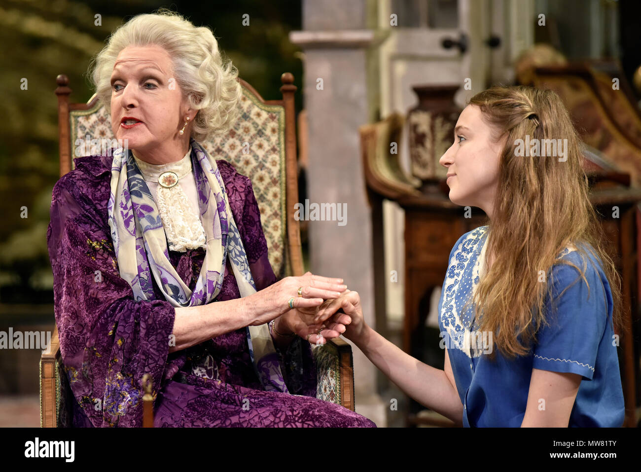 Penelope Keith (left, playing Mrs St Maugham) and Emma Curtis (playing Laurel) in Enid Bagnold's The Chalk Garden, Chichester Festival Theatre... - Stock Image