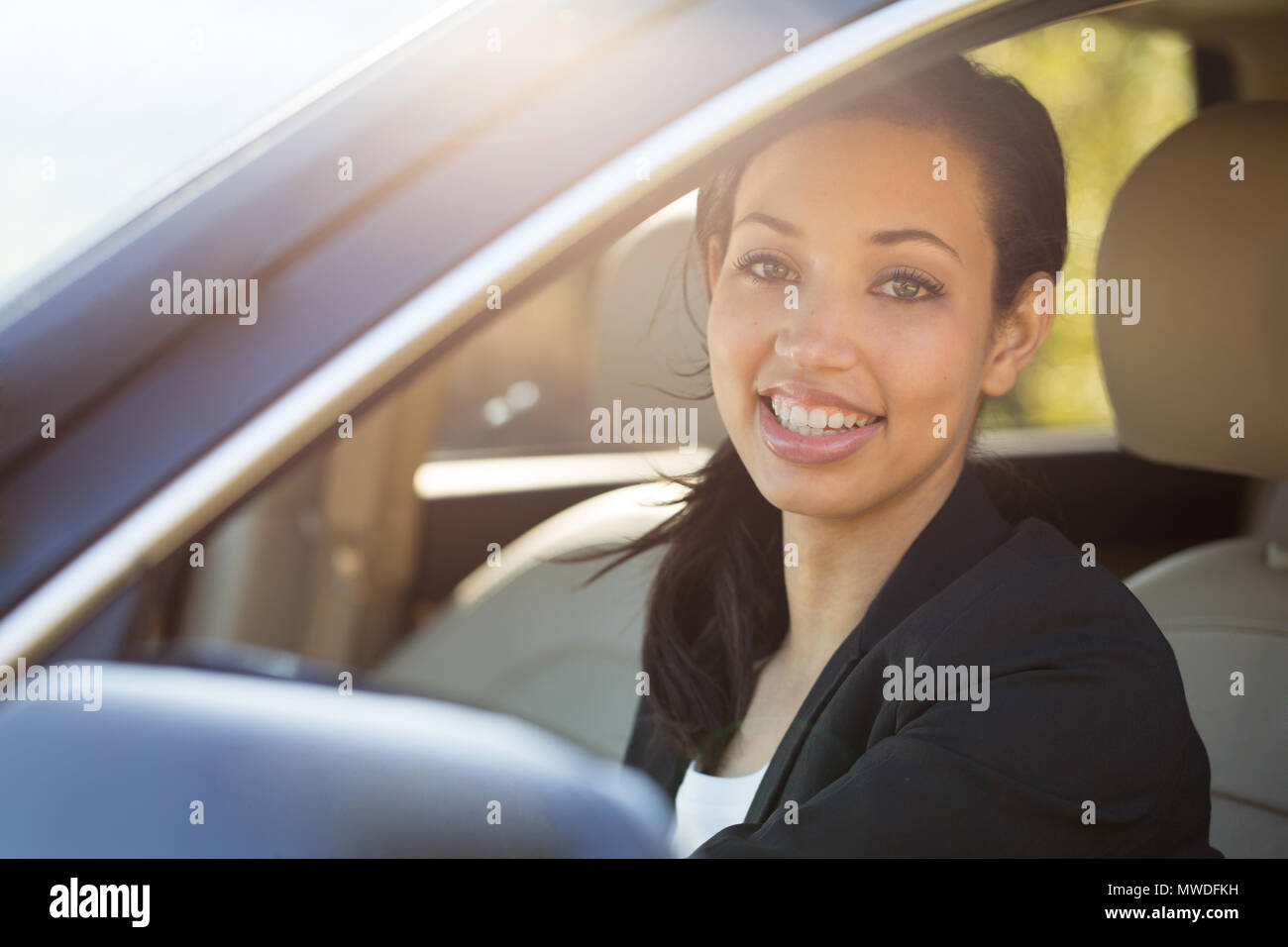 Business woman talking on her mobile phone. outside an office bussiness. Stock Photo