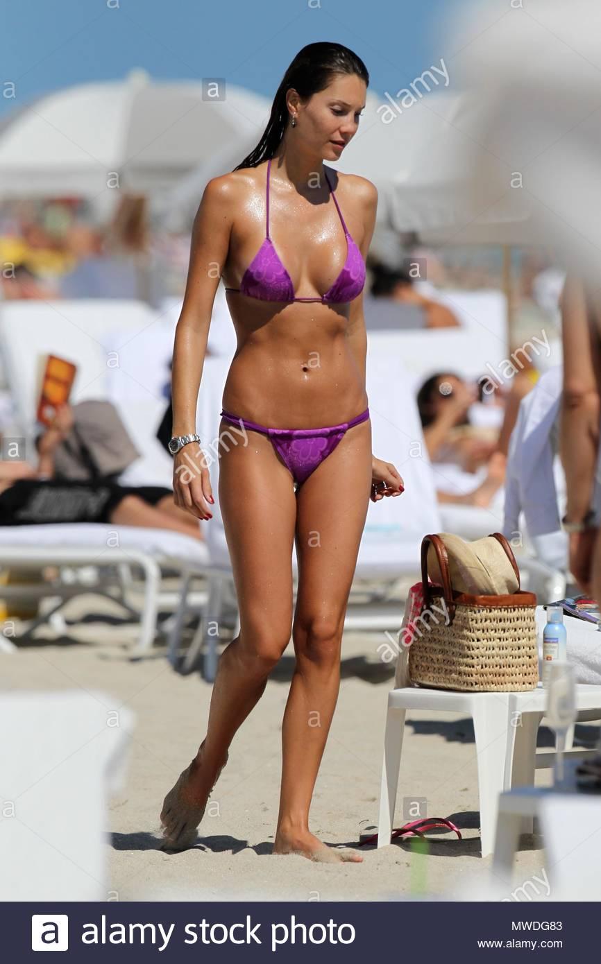 Twitter Julia Pereira naked (59 photo), Sexy, Is a cute, Feet, underwear 2015