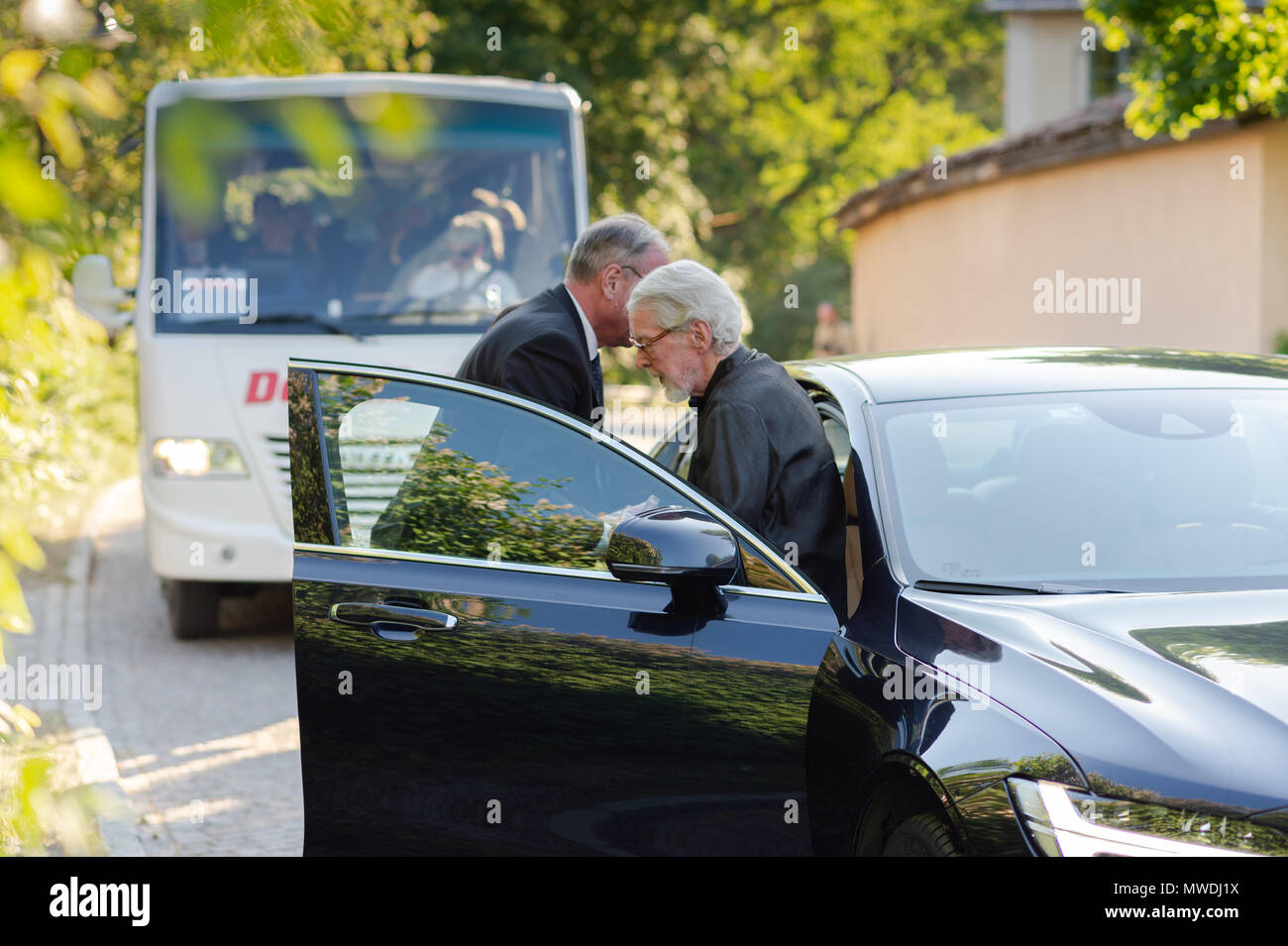 Stockholm, Sweden, May 31, 2018. Crisis in the Swedish Academy. Members of the Swedish Academy arrive at Bergsgarden, Djurgarden, Stockholm for late dinner after previous meetings at the Swedish Academy in the Old town, Stockholm. Göran Malmqvist arrives. Credit: Barbro Bergfeldt/Alamy Live News - Stock Image
