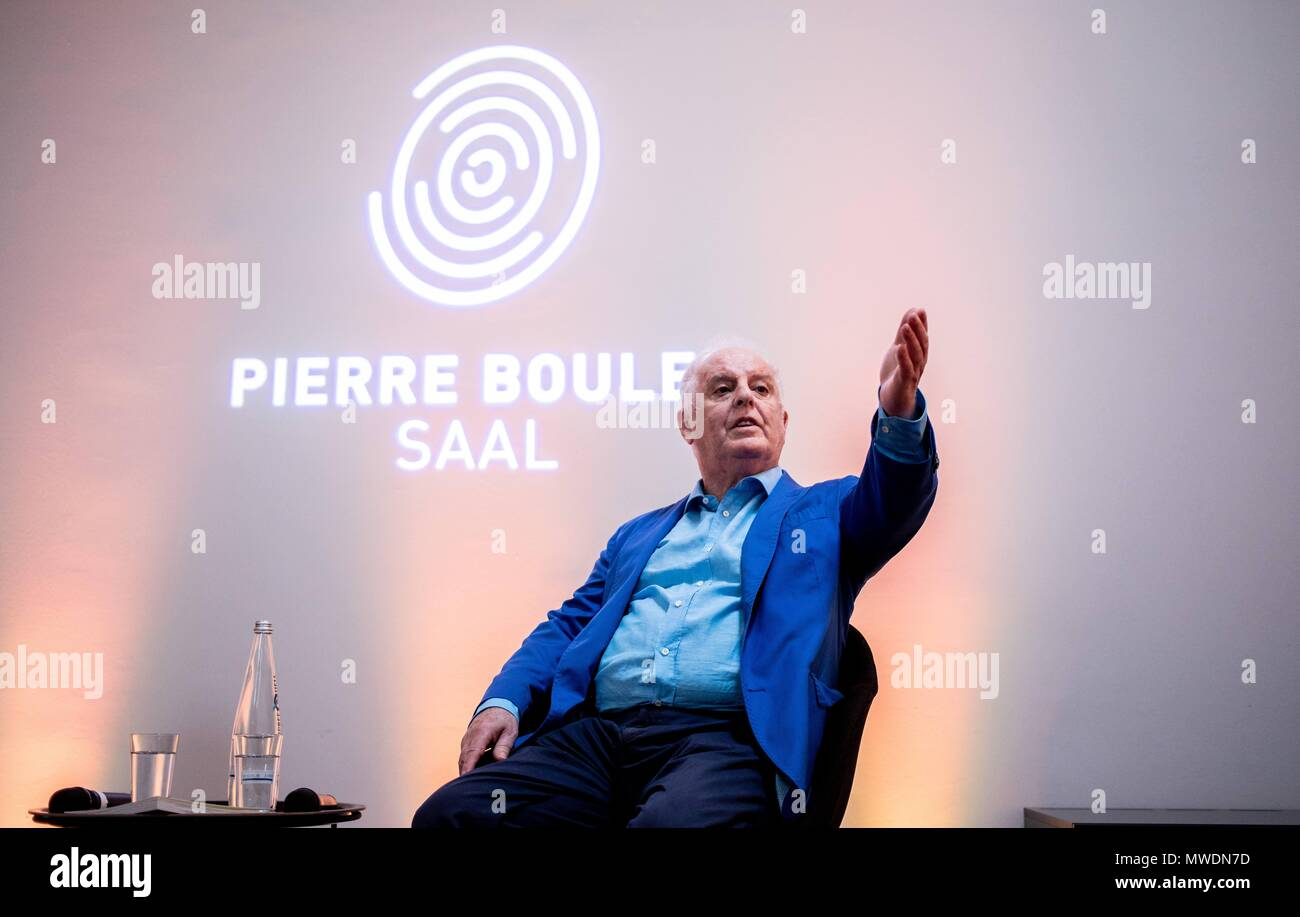 01 June 2018, Germany, Berlin: The conductor Daniel Barenboim, founder of the West-Eastern Divan Orchestra, speaking to representatives of the media at a press conference. The Barenboim-Said Academy presented the concert season 2018/2019 in the Pierre Boulez hall. Photo: Kay Nietfeld/dpa - Stock Image