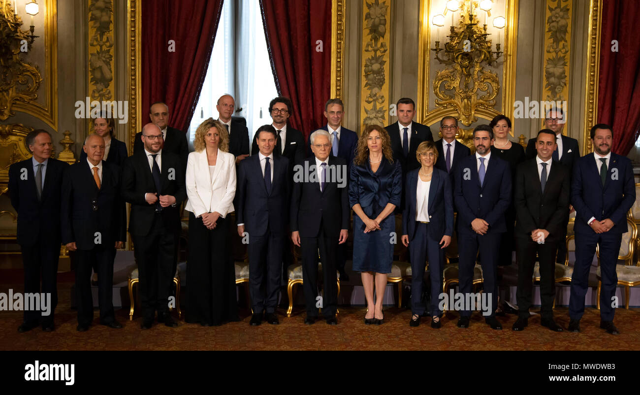 Rome, Italy. 1st Jun, 2018. Photo Family with Premier Giuseppe Conte (5L) and President Sergio Mattarella (6L)    Front Row  Foreign Minister Enzo Moavero Milanesi, European Affairs Minister Paolo Savona, Family and the Disabled Minister Lorenzo Fontana, Minister for the South Barbara Lezzi, Italy's Prime Minister Giuseppe Conte , President of Italian Republic Sergio Mattarella, Regional Affairs Minister Erika Stefani, Public Administration Minister Giulia Bongiorno and Parliamentary Affairs and Direct Democracy Minister Riccardo Fraccaro. Credit: insidefoto srl/Alamy Live News - Stock Image