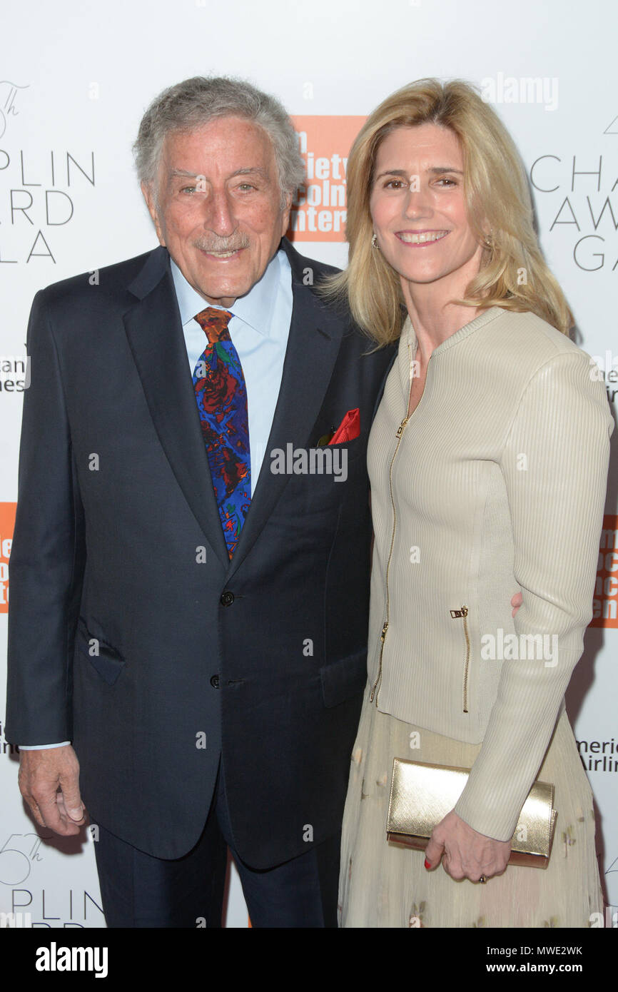 45th Chaplin Award Gala at Alice Tully Hall - Red Carpet Arrivals  Featuring: Tony Bennett, Susan Crow Where: New York, New York, United States When: 30 Apr 2018 Credit: Ivan Nikolov/WENN.com - Stock Image