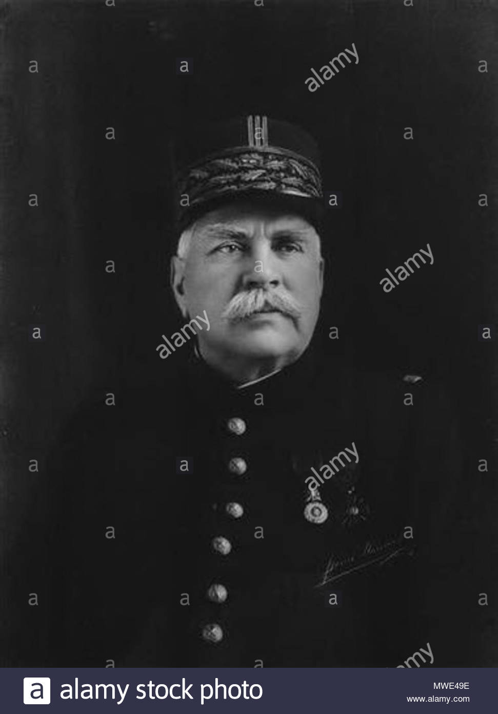 . English: Joseph Joffre . 30 October 2012, 17:07:52.   Henri Manuel  (1874–1947)    Description French photographer  Date of birth/death 24 April 1874 11 September 1947  Location of birth/death Paris Neuilly-sur-Seine  Work location Paris  Authority control  : Q3131559 VIAF: 69197545 ISNI: 0000 0001 2281 4329 ULAN: 500054098 SUDOC: 091373182 BNF: 14841349b 271 Henri Manuel - Joseph Joffre - Stock Image