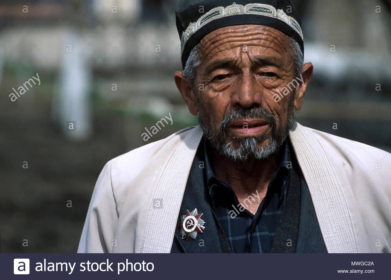 Uzbekistan, Samarkand. Portrait of an old man. Stock Photo
