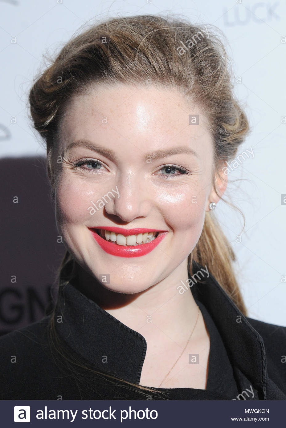 cameltoe Celebrity Holliday Grainger naked photo 2017