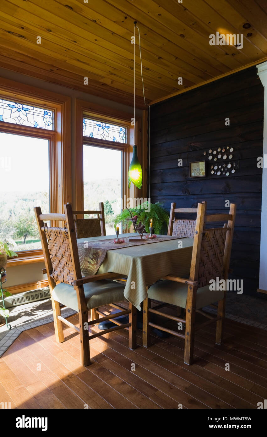 Sunroom Table And Chairs 6