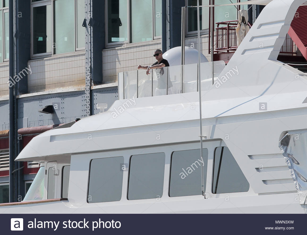 General View Of A Boat Where Jennifer Lopez Preparing For Birthday Party In New York City USA Her Boyfriend Casper Smart Seen On While Balloons