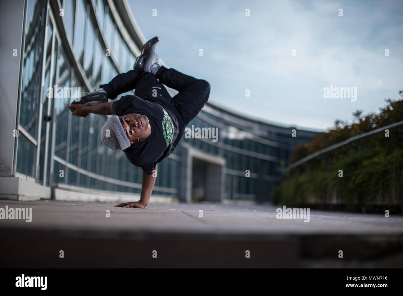 breakdancer during a freez outside a resturant in Albino Stock Photo