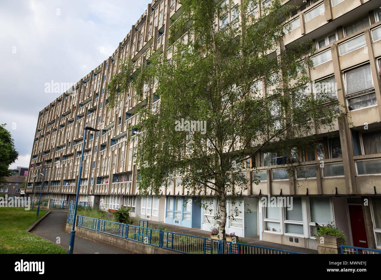London, UK. 1st June, 2018. The Robin Hood Gardens social housing ...