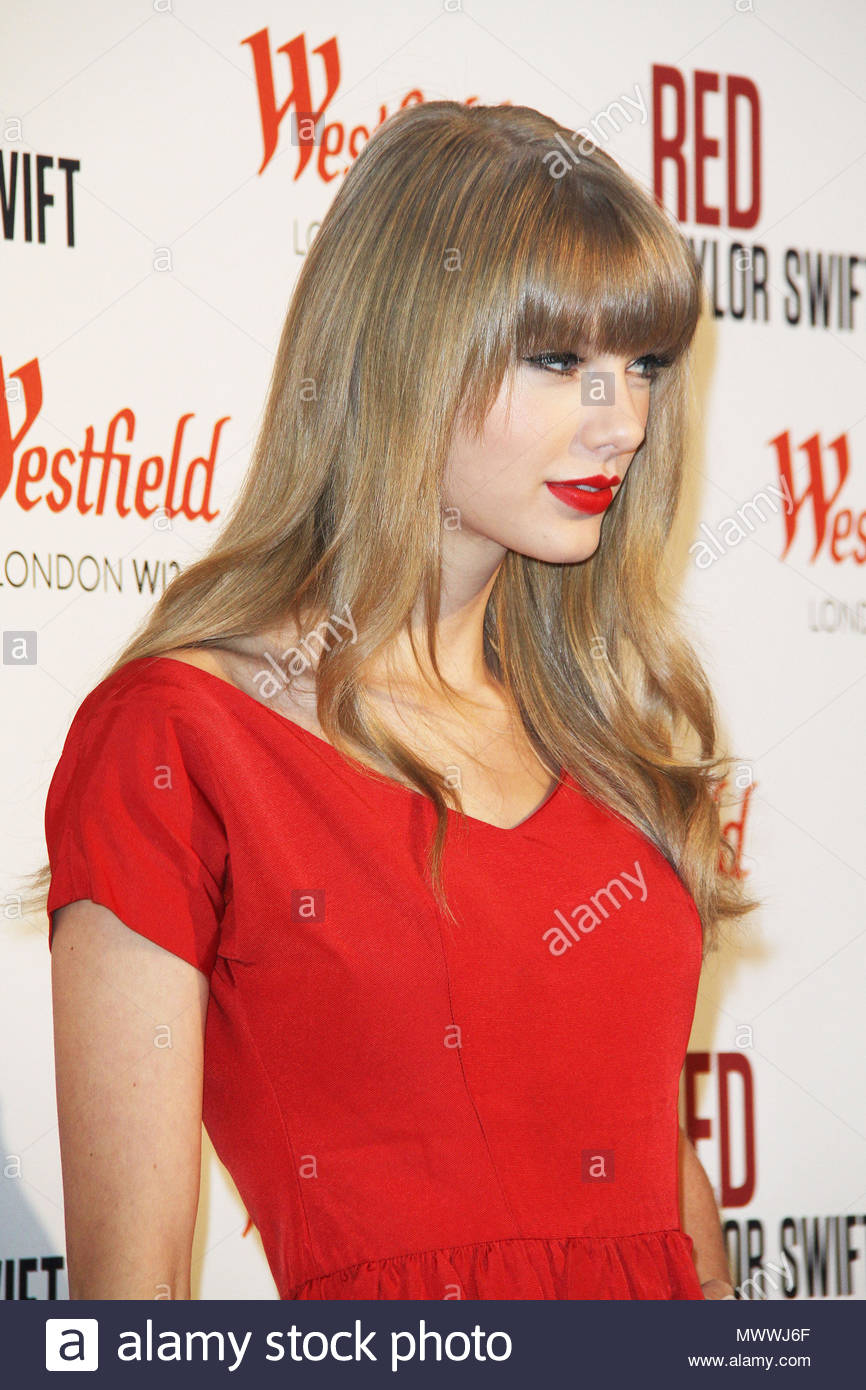 taylor swift us singer taylor swift switched on the christmas lights at westfield london and performed songs from her latest album red - Taylor Swift Christmas Album