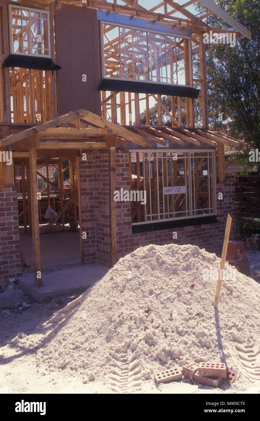 NEW HOME BEING BUILT, SUBURBAN SYDNEY, NEW SOUTH WALES, AUSTRALIA Stock Photo
