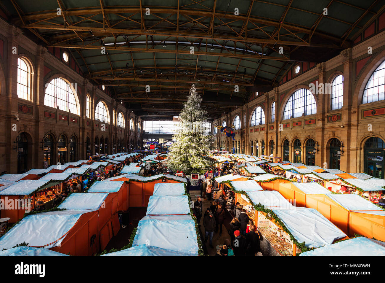 Christmas market at Zurich train station, Zurich, Switzerland, Europe - Stock Image