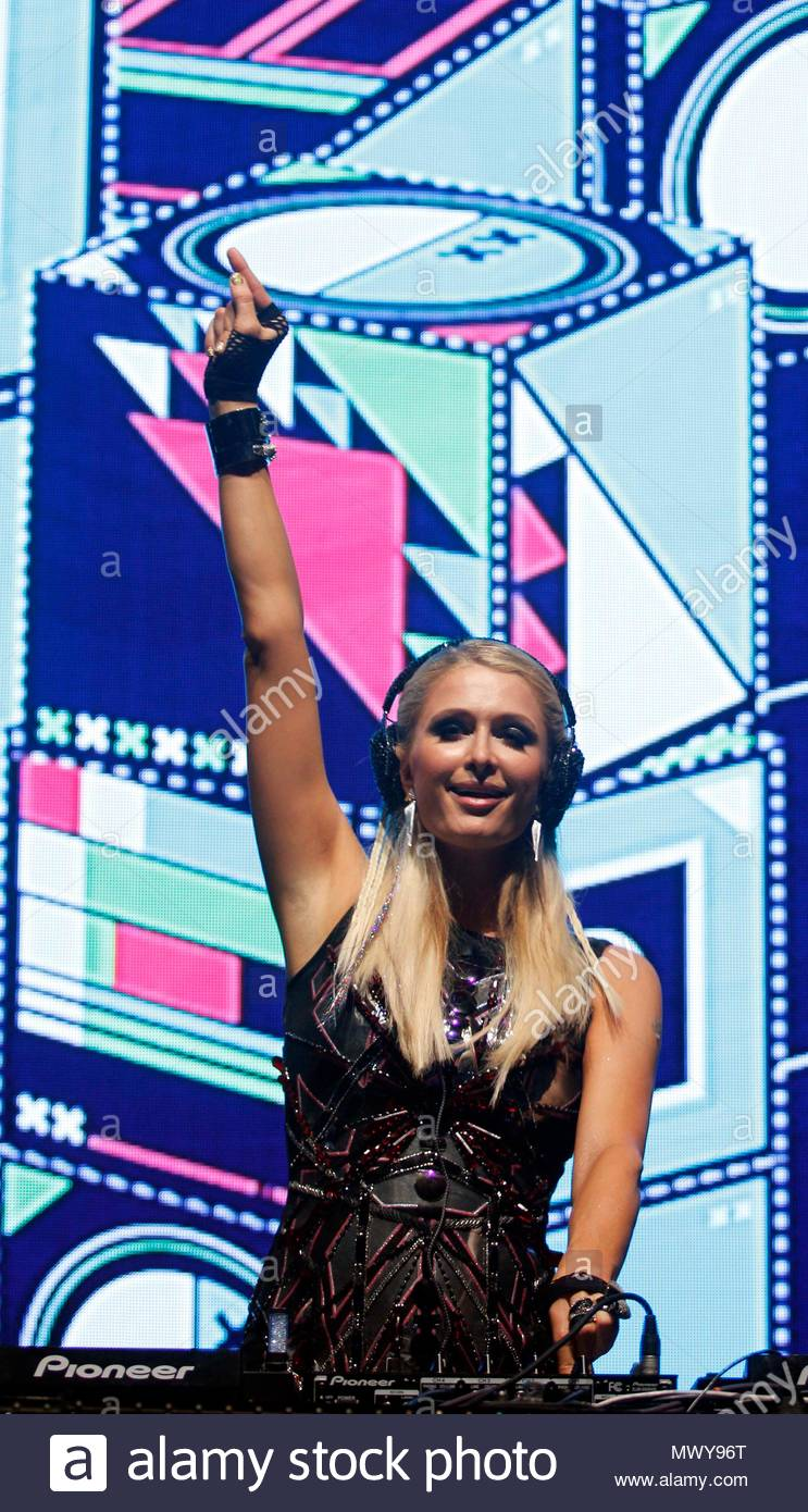 ead5cf111b49 Paris Hilton had thousands of people jumping and screaming at Candolim Beach  in Goa. She s the final performer at SandKastle the music festival arm of  India ...