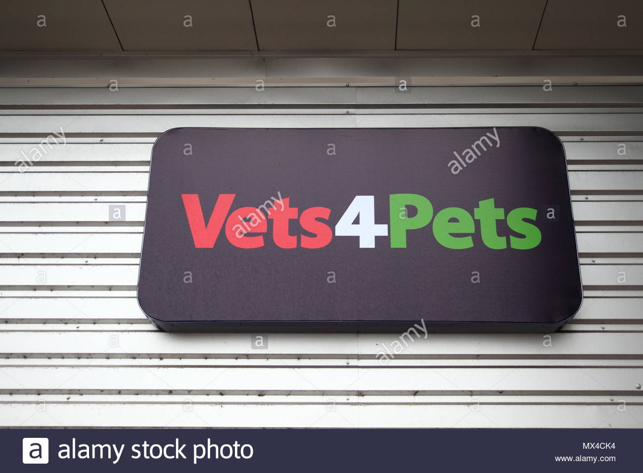 Pets At Home Store Front At Snipe Retail Park Ashton Under Lyne Tameside Greater Manchester June 2018 Stock Photo Alamy