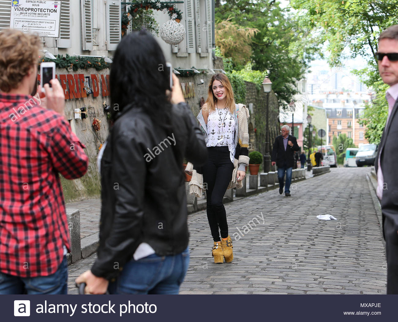 Martina Stoessel. Martina Stoessel went for lunch at Fontaine de ...