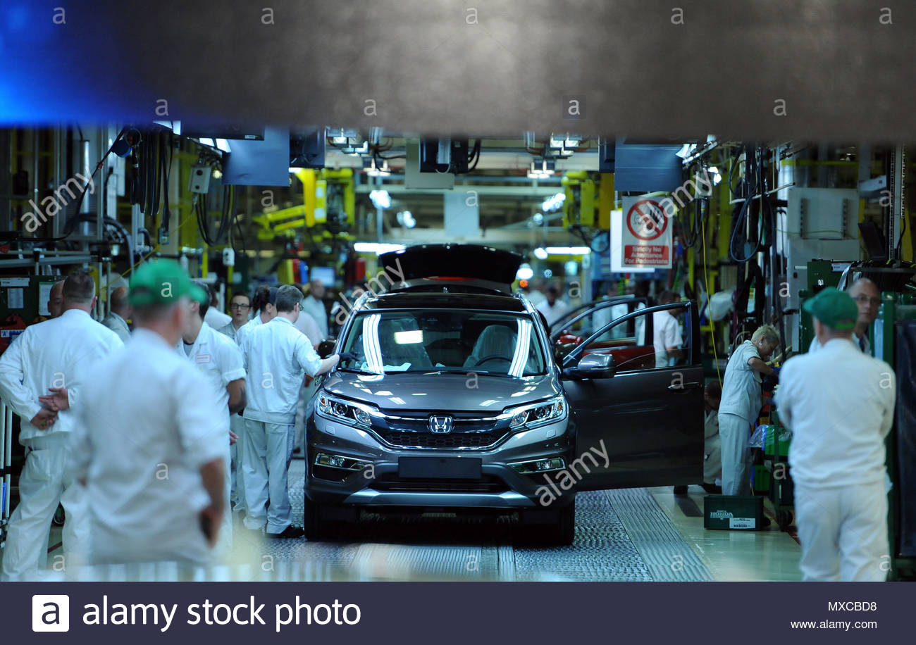 File photo dated 02/07/15 of a general view of a Honda CRV on the production line at Honda of the UK Manufacturing Ltd's factory in Swindon. Almost 600,000 manufacturing jobs have been lost across the UK in the past decade, a new study reveals. - Stock Image