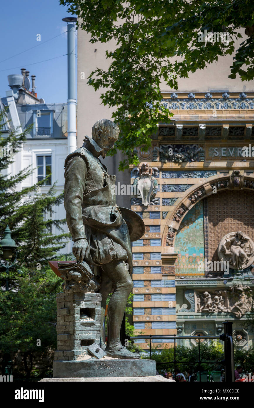 Statue of Bernard Palissy, a 16th century French Huguenot artisan potter and craftsman in the garden of Eglise Saint Germain des Pres, Paris, France - Stock Image