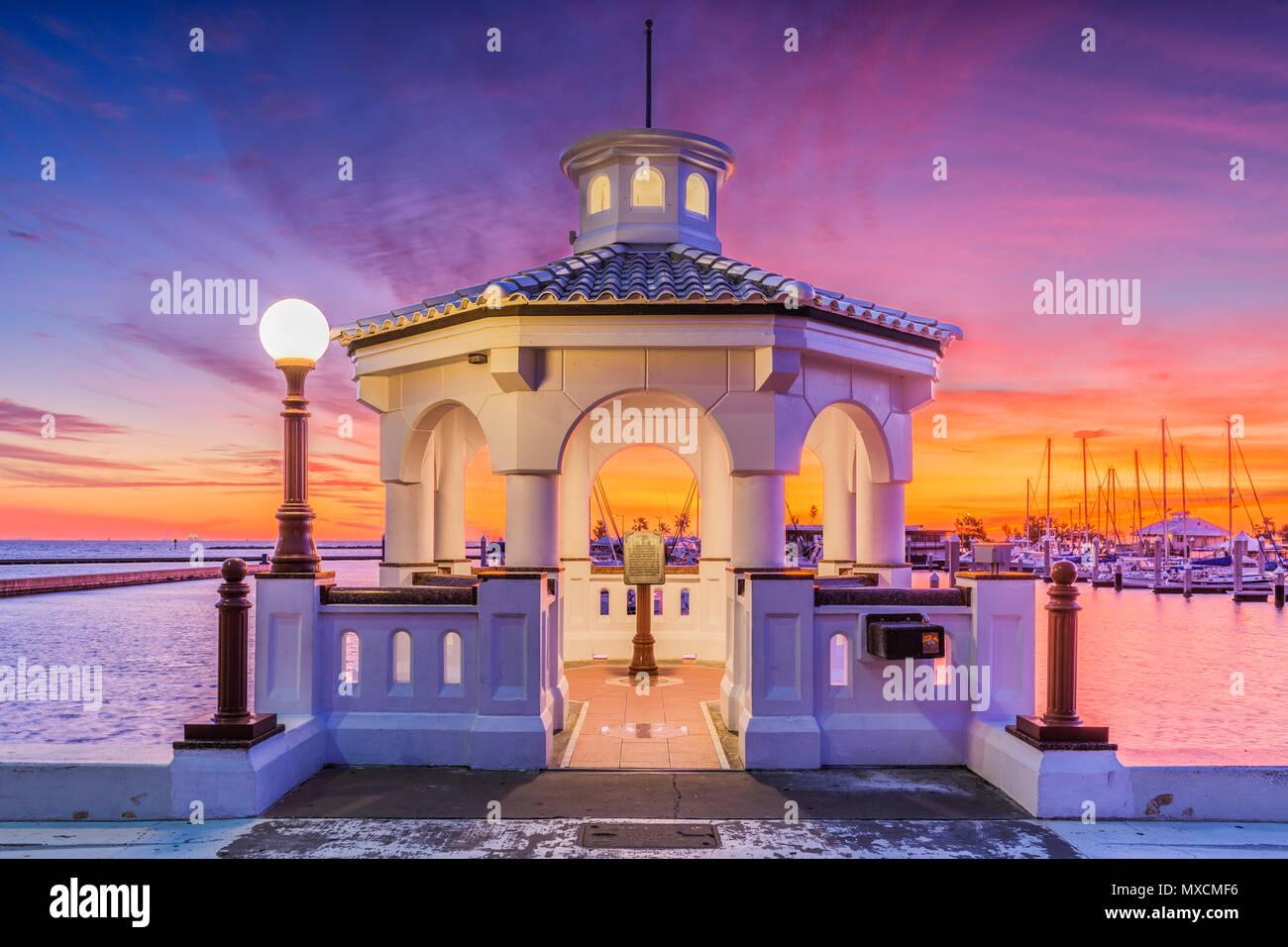 Corpus Christi, Texas, USA on the seawall at dawn. - Stock Image