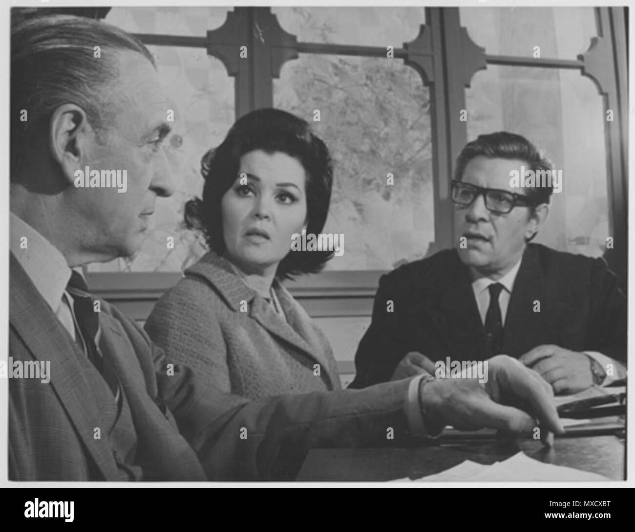 . Español: Roberto Airaldi, Nelly Panizza y Francisco de Paula en 'Maternidad sin hombres' (1968). 1968. Unknown 440 Nelly panizza - Stock Image