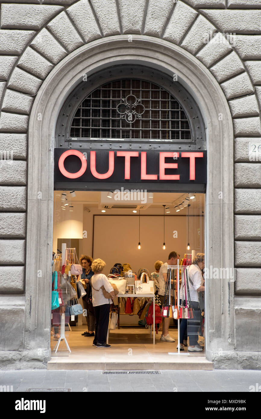 Outlet store in Rome Italy. Small business in touristic street Stock ...