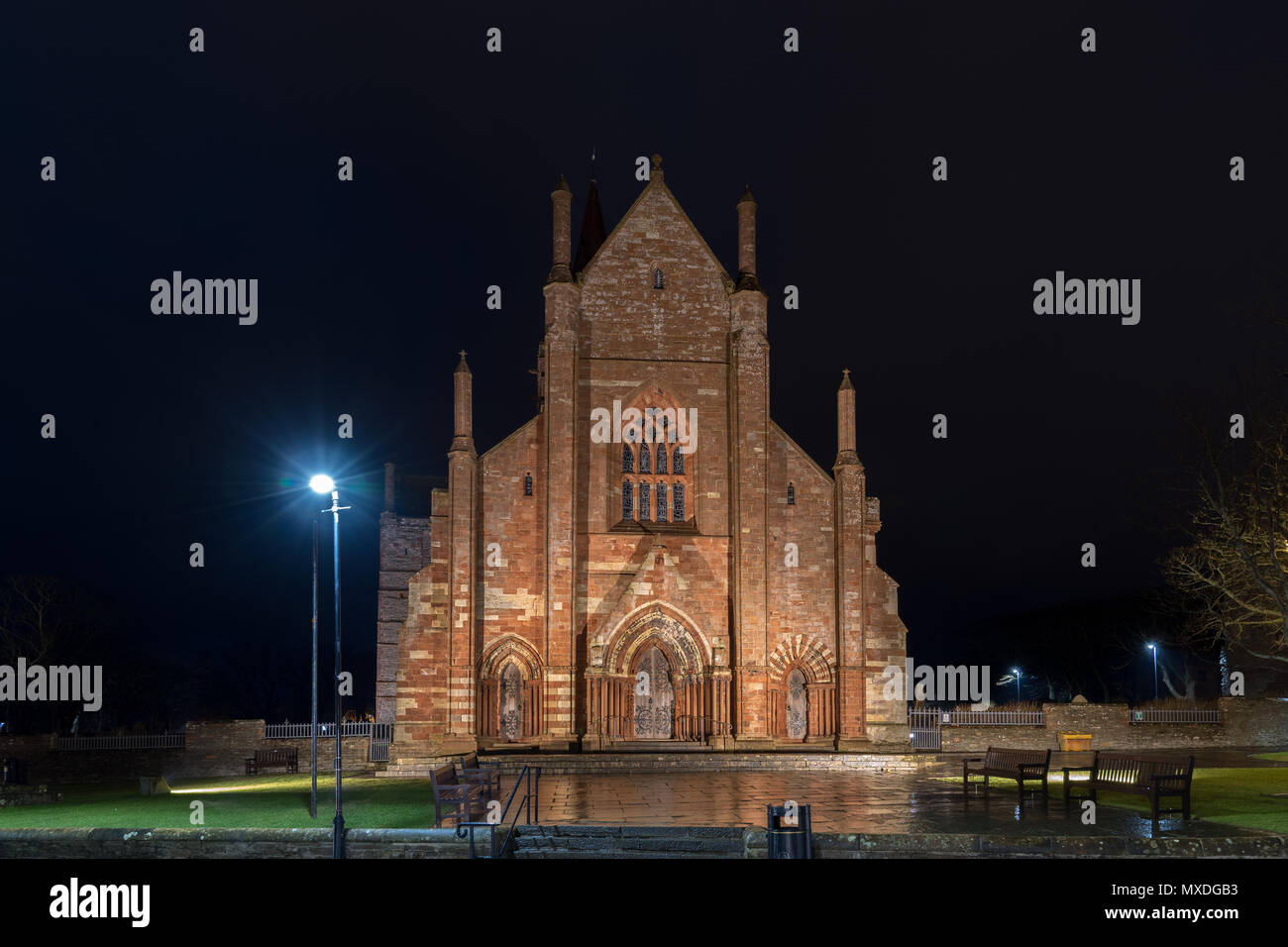 St Magnus Cathedral, Kirkwall, Orkney, Scotland, UK (Night) - Stock Image