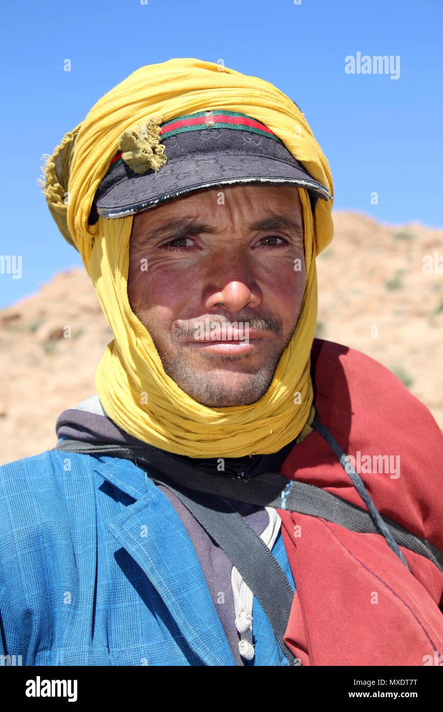 Nomadic Berber Man in Todra Valley, Morocco - Stock Image