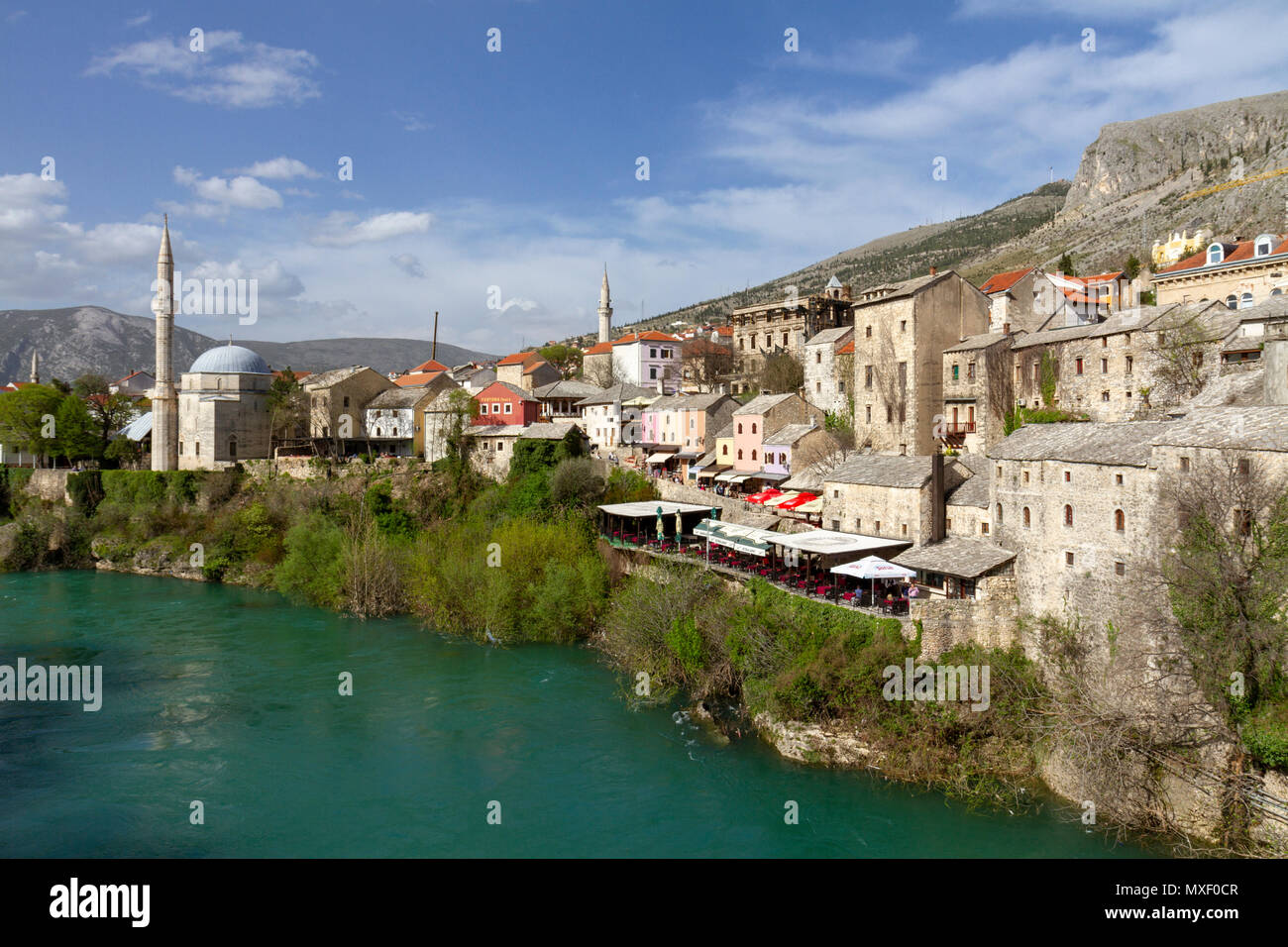 The view north of the historic Stari Most (Old Bridge) over the Neretva river in Mostar, the Federation of Bosnia and Herzegovina. - Stock Image