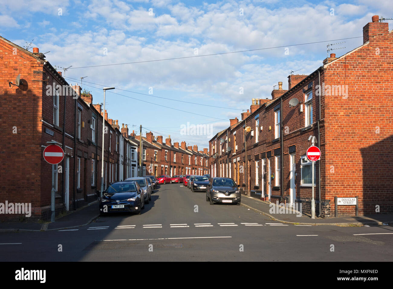 terraced homes,  street community, northern town, st.helens, lancashire, merseyside, england, britain, uk, - Stock Image